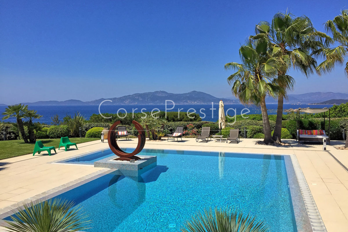 Luxurious-seafront property