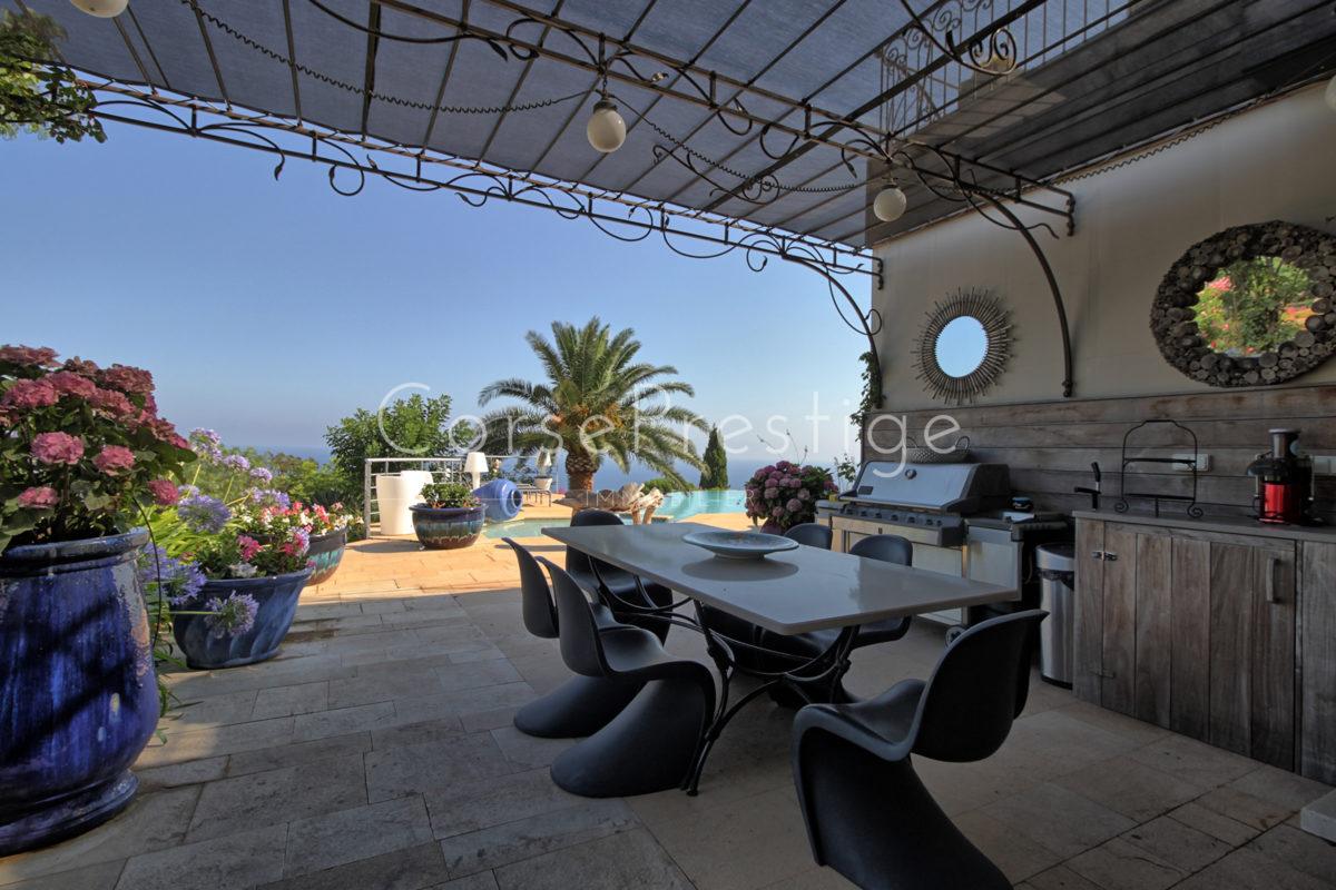 Villa-facing-the-sea-in-Corbara-N69
