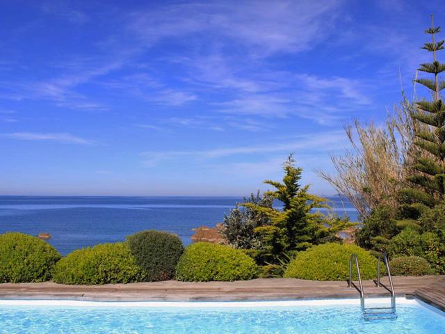 villa right on the sea Ajaccio's gulf - Ref M09