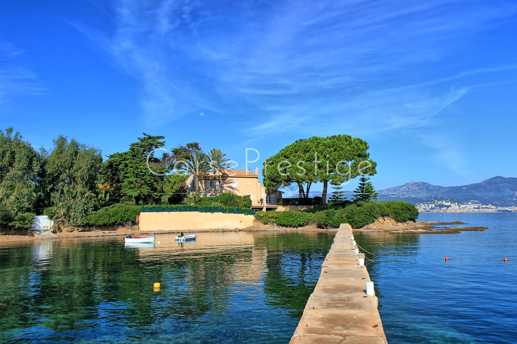 WATERFRONT PROPERTY – PORTICCIO - REF N74